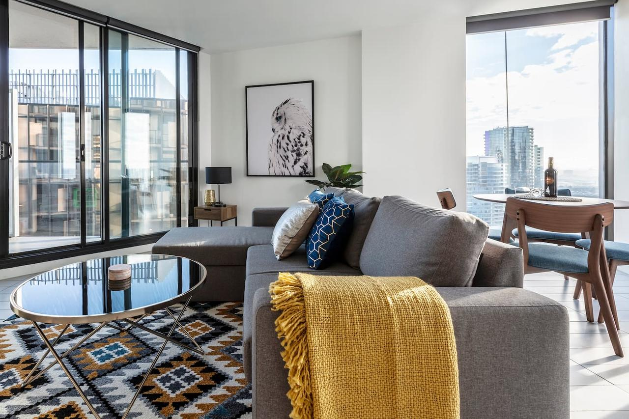 2Bedroom Apartment with Views in Docklands next to CBD  Marvel Stadium - Kempsey Accommodation