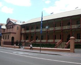 Parliament House - Kempsey Accommodation
