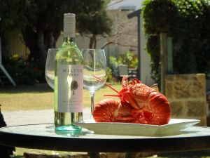 Lazy Lobster Holiday Units  Chalets - Kempsey Accommodation